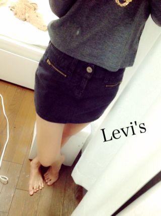 Levi's 黒デニムスカート