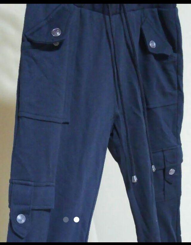 【新品】黒 パンツ 七部丈