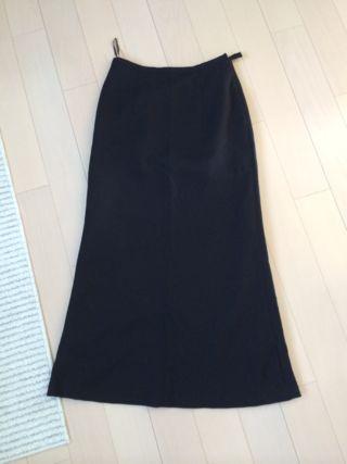 スカートスーツ