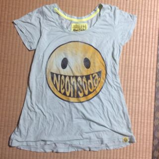 ネオンソーダ 変形Tシャツ