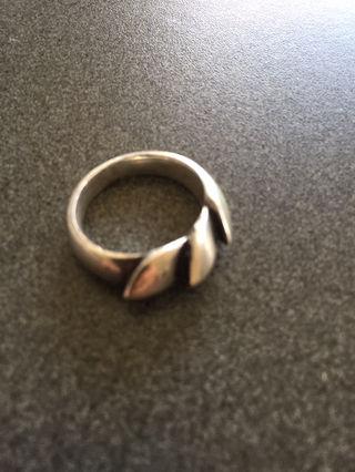 ロンワンズ 指輪