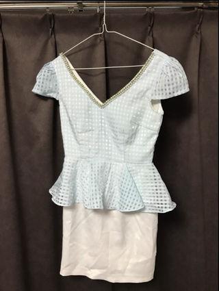 水色チェックドレス