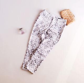 VICKY ビッキー 総柄スキニー ホワイト 白パンツ