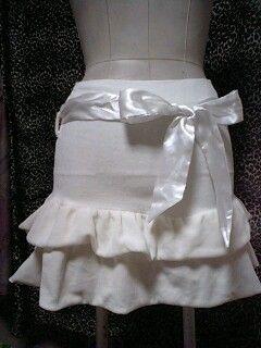 トゥララ?サテンリボンスカート??①