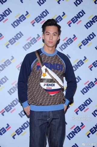 FENDI人気新作 ファッションのトレーナー