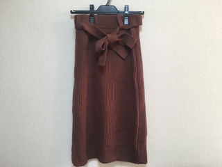 NATURAL BEAUTY BASICスカート