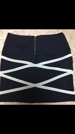 ギムレットバンテージ風スカート