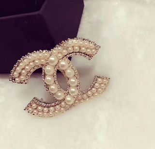 人気商品Chanel 送料無償。