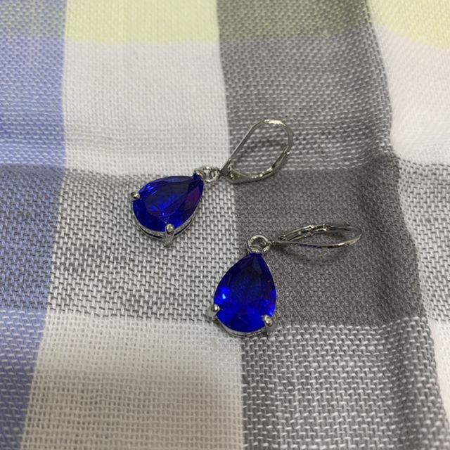 【新品 未使用】ドロップイヤリング ブルー 両耳