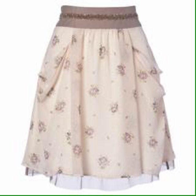 新品アプワイザーリッシェ花柄スカート