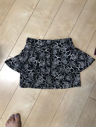 SHAKESHAKE薔薇柄ペプラムスカート