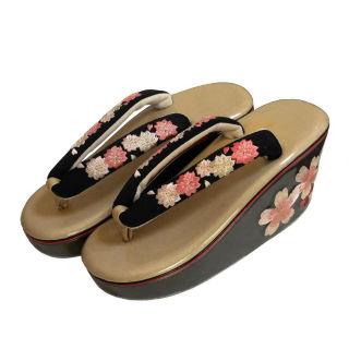 新品送料込 桜刺繍のヒール草履 卒業式に ASW028