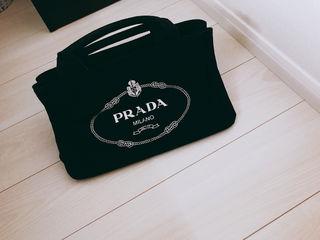 プラダ カナパ