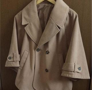 ポンチョ型コート