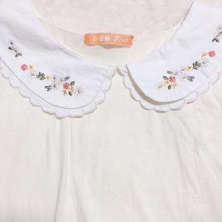 f.i.n.t フラワー刺繍丸襟スカラップトップス