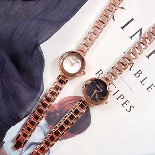 人気新品 SWAROVSKI ウォッチ シャレな腕時計