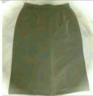 グレータイトスカート
