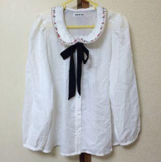 花柄刺繍シャツ