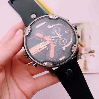 定番人気腕時計 コーデにオススメ 4色有り