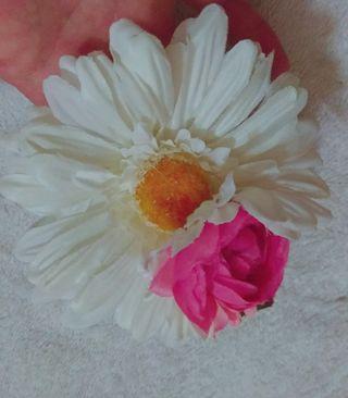 お花ヘアクリップ